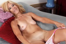 Sexaholic cougar turns
