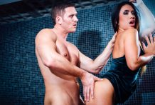 Lustful Hanna widens her sweet twat open for a unfathomable drilling