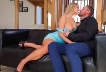 Golden-haired beauty Sienna Day receives stuffed by big man-meat !