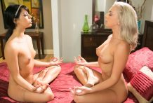 Hippie lezzie teaches her magnificent roomate how to meditate !