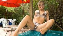Sole-Wanking in the Jacuzzi
